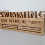 Спортивная медальница на заказ от Feeling Wood с гравировкой