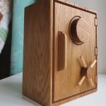 деревянный-декоративный-сейф-на-заказ-от-Feeling-Wood