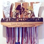 Полка для кубков медальница от Feeling Wood для юного чемпиона в BMX